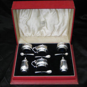 A sterling silver 6 piece condiment set ( boxed )